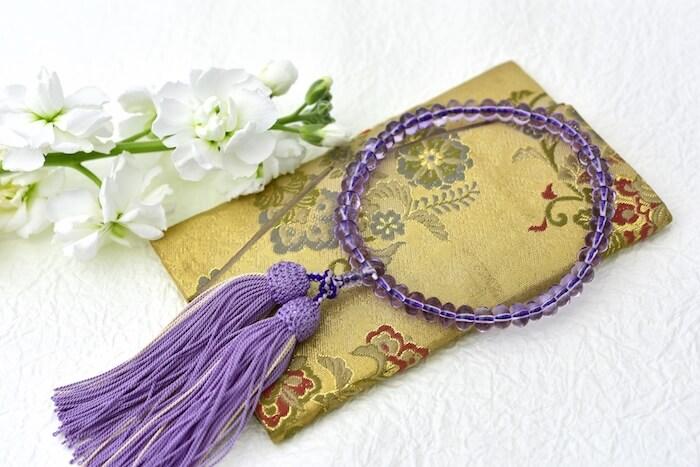 数珠と数珠袋の画像